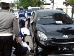 Selain gembos, Dishub Manado juga akan gembok ban kendaraan parkir sembarangan