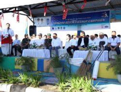 Tugas perdana Menko Luhut, bersih-bersih pantai Manado