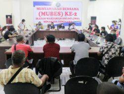 "Puluhan wartawan online duduki kursi DPRD Mitra, ""Karnikus"" keluar sebagai pemenang"