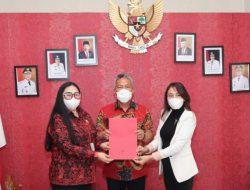 Duo Srikandi DPRD Sulut sampaikan asmara ke Bupati Wongkar